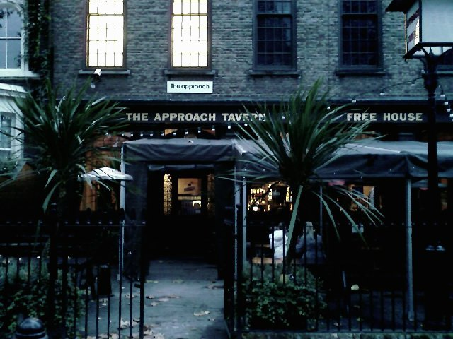 The Approach Tavern Bethnal Green London Pub Review - The Approach Tavern, Bethnal Green, London - Pub Review