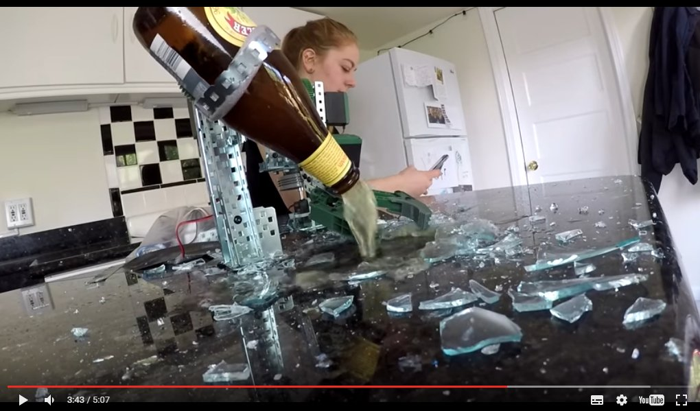 Untitled 1 - A robot that serves beer for you - cool!