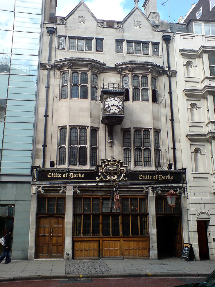 Cittie of Yorke Chancery Lane London Pub Review - Cittie of Yorke, Chancery Lane, London - Pub Review