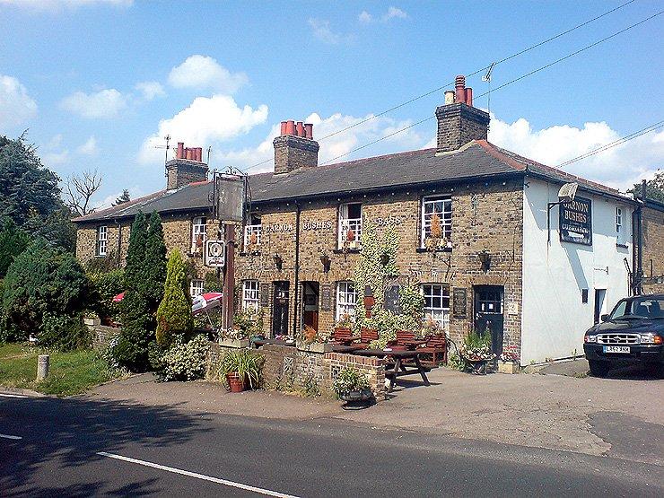 Garnon Bushes Coopersale Epping Essex Pub Review - Garnon Bushes, Coopersale, Epping, Essex - Pub Review