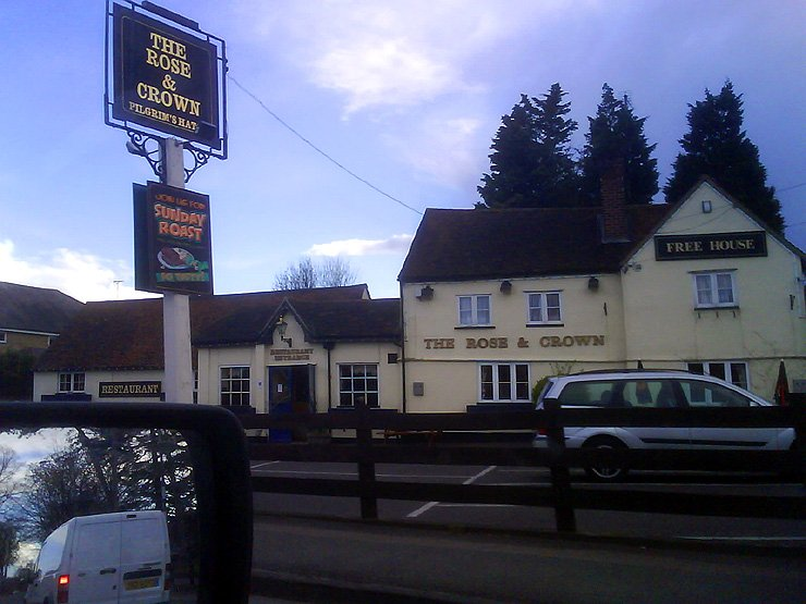 The Rose and Crown Pilgrims Hatch Brentwood Essex Pub Review - The Rose and Crown, Pilgrims Hatch, Brentwood, Essex - Pub Review