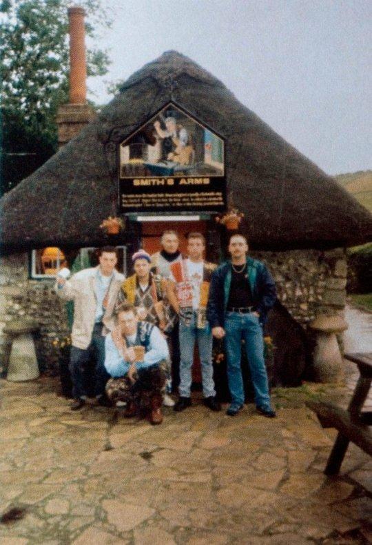 PRI 84055563 - Man celebrates 35-year pub crawl with 50,000th pint